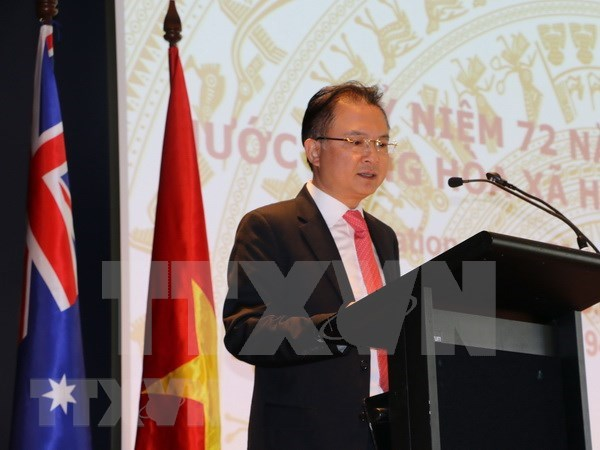 Ambassador urges Vietnamese students in Australia to stay united amid COVID-19 hinh anh 1