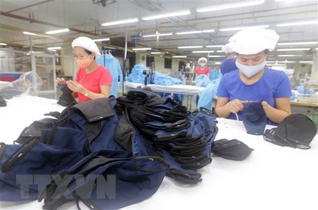 Vietnam exports nearly 416 million face masks hinh anh 1