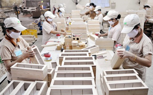 Wood industry needs fundamental change in export product lines, markets, say experts hinh anh 1