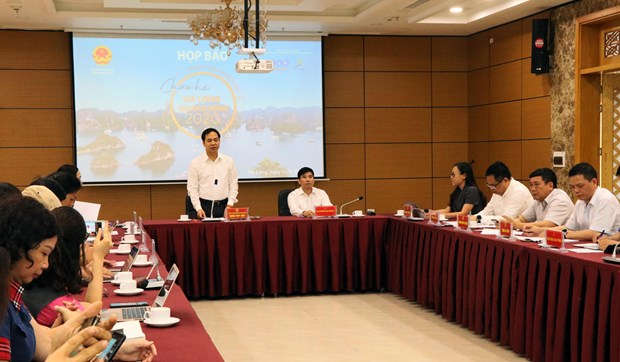 Domestic tourists invited to summer in Quang Ninh hinh anh 1