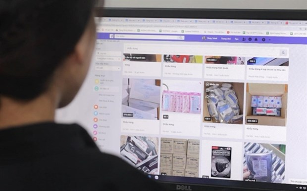 Online shopping on the rise in HCM City hinh anh 1
