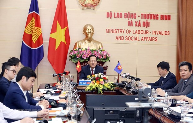 ASEAN ministers talk impacts of COVID-19 on labour, employment hinh anh 1