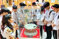 Three national treasures on display at Quang Ninh Museum