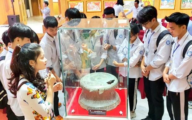 Three national treasures on display at Quang Ninh Museum hinh anh 1