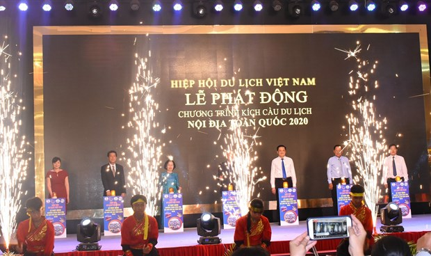 Vietnam Airlines, VITA jointly launch tourism stimulus programme hinh anh 1