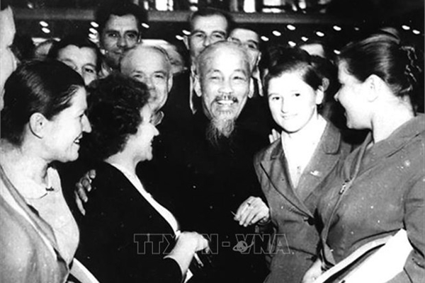 Russian people hold special sentiments toward President Ho Chi Minh