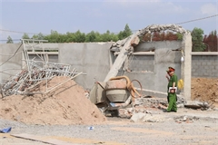 Legal proceedings launched against deadly wall collapse case in Dong Nai