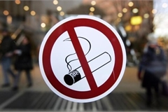 Smoking increases risk of COVID-19 community transmission