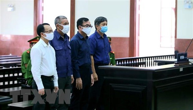Court upholds sentences for ex-officials of HCM City hinh anh 1