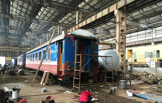 VNR proposes extending expiry date for locomotives, carriages hinh anh 1