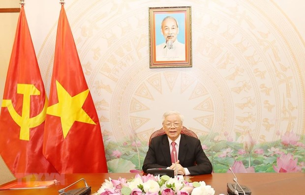 Top Vietnamese leader holds phone talks with Russian President hinh anh 1