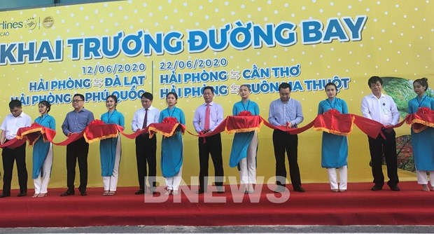 Vietnam Airlines opens seven new domestic routes hinh anh 1