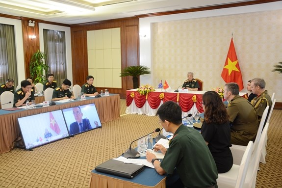 Vietnam boosts defence cooperation with Canada, Australia hinh anh 1