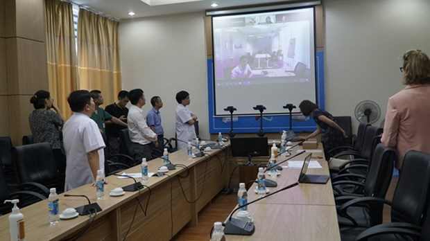 UNDP presents robots help protect frontline health workers hinh anh 1