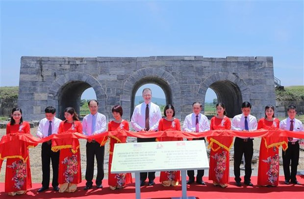 US-funded conservation project of Ho Dynasty Citadel completed hinh anh 1