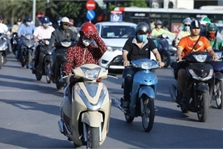 Hot weather to continue scorching northern and central Vietnam