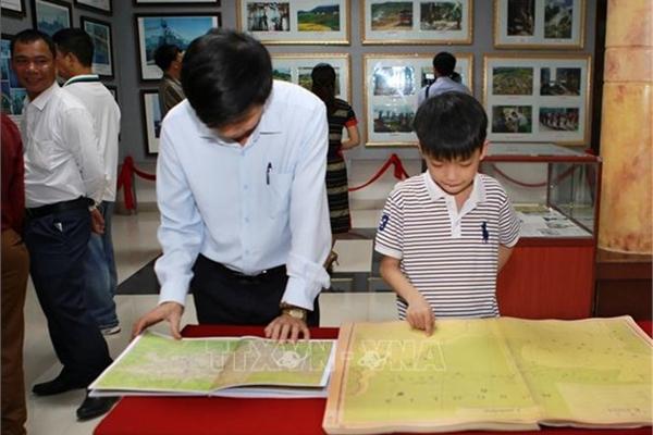 Quang Tri exhibition features Vietnam's sovereignty over Hoang Sa, Truong Sa