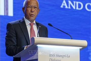 Philippines criticises Chinese military drills in East Sea