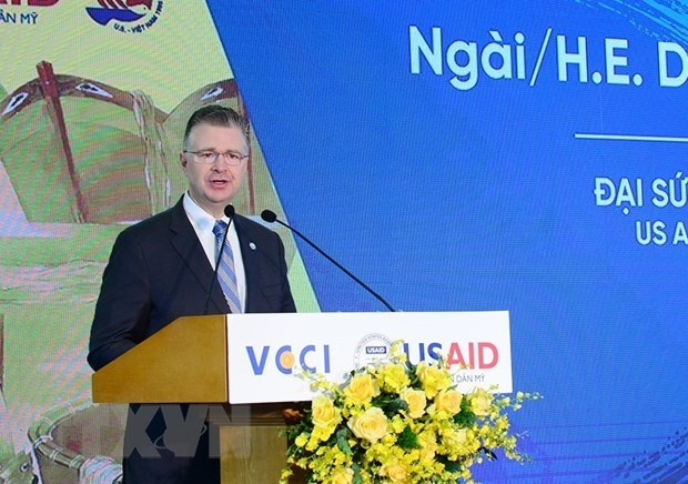 US Ambassador hails Vietnam-US cooperation over 25 years of relations hinh anh 1