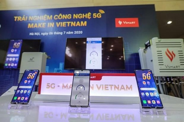 Vinsmart launches first Vietnamese-made 5G-enabled smartphone hinh anh 1