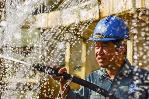Water sector draws investment hinh anh 1