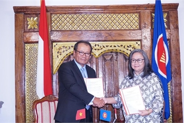 Vietnam assumes rotary chair of ASEAN Committee in Czech Republic