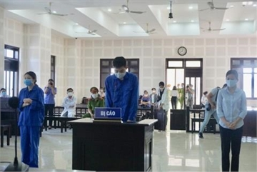 Trio face jail term for smuggling Chinese into Da Nang