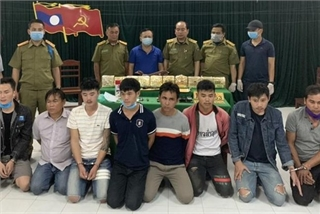 Eight Lao nationals caught smuggling 10kg of meth into Vietnam