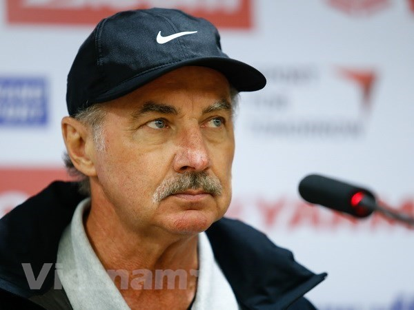 Former coach of Vietnamese football team Alfred Riedl passes away hinh anh 1