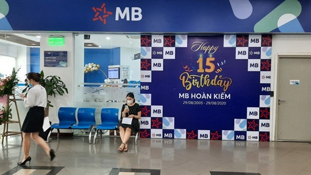 Billions of banking stocks to flood market under dividend plans hinh anh 1