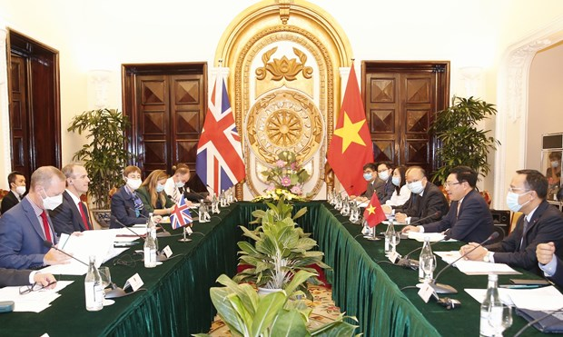 Vietnam, UK to develop strategic partnership to higher level: officials hinh anh 2