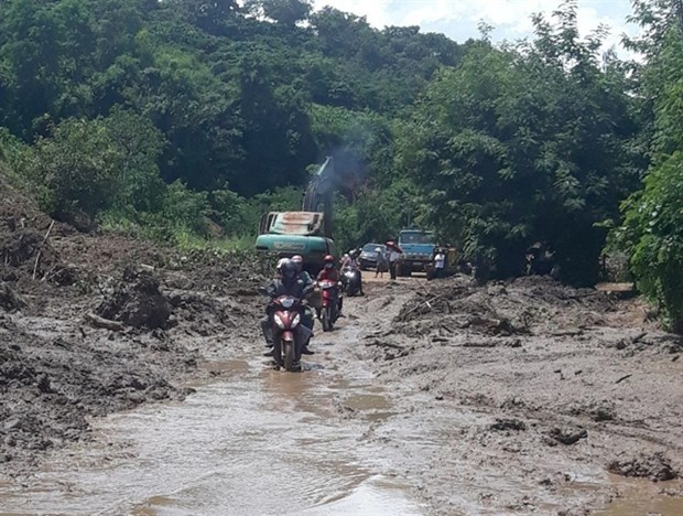 Central provinces told to prepare for dangerous weather hinh anh 1