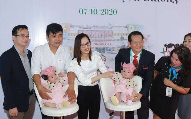 Conjoined twins head home nearly three months after separation hinh anh 1