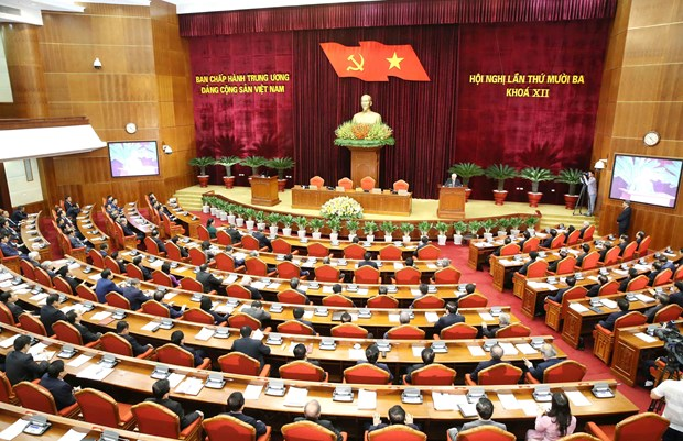 Socio-economic, personnel issues in focus of Party Central Committee's 13th session hinh anh 1