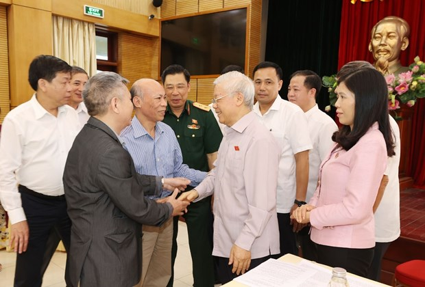 Top leader meets Hanoi voters ahead of NA's 10th session hinh anh 1