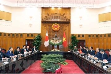 Vietnamese, Japanese PM hold talks