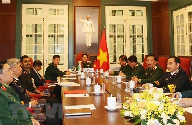 Vietnam, India defence ministers hold online talks hinh anh 1