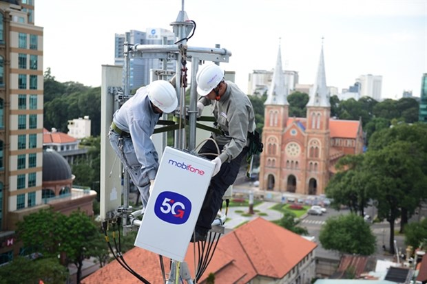 MobiFone to launch 5G commercial pilot in HCM City next month hinh anh 1