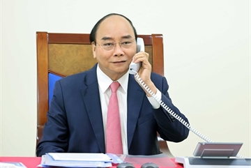 Vietnamese, Dutch PMs hold phone talks