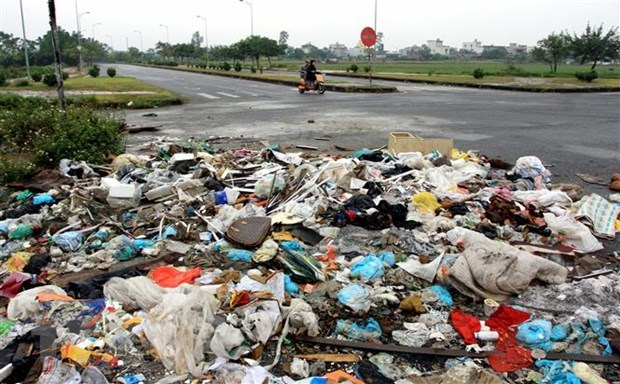 Domestic solid waste surges 46 percent in 10 years hinh anh 1