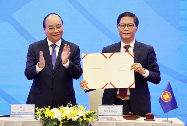 VNA selects top 10 economic events of Vietnam in 2020 hinh anh 2