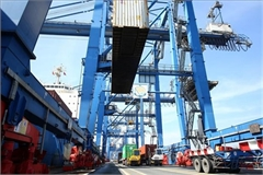 HCM City to move ports out to ease congestion on roads