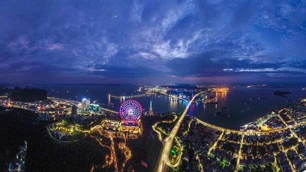 Ha Long winter carnival awaits visitors during New Year holiday hinh anh 1