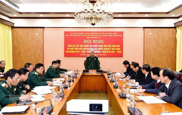 545 mln USD spent on bomb and mine detection, clearance over last decade hinh anh 1