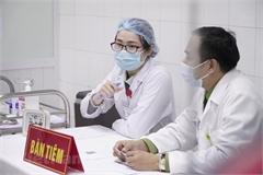 Volunteers receive second shots of Nanocovax vaccine
