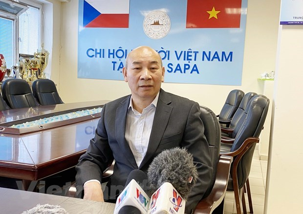 Vietnamese in Czech Republic have high hopes for 13th National Party Congress hinh anh 2