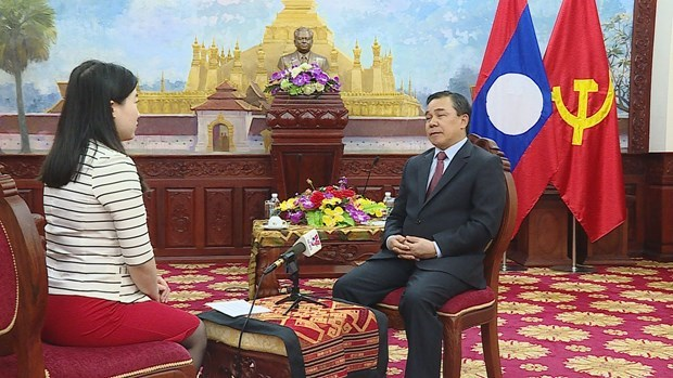Lao ambassador hails leadership role of Communist Party of Vietnam hinh anh 2
