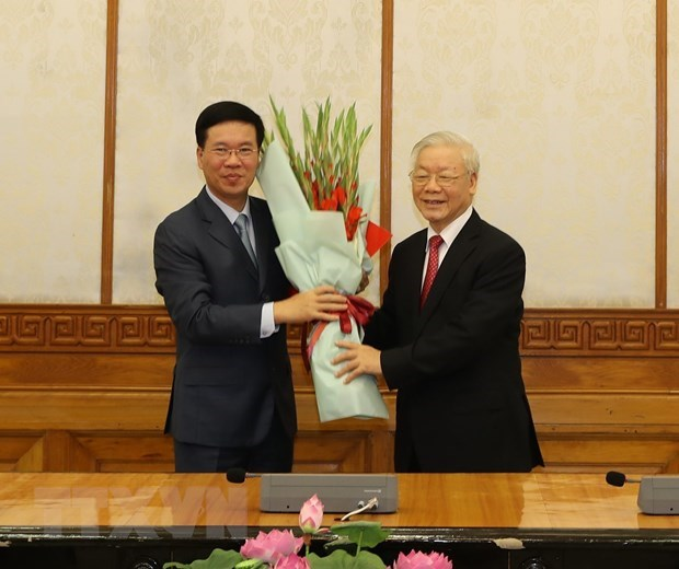 Political Bureau assigns tasks to two Politburo members hinh anh 1