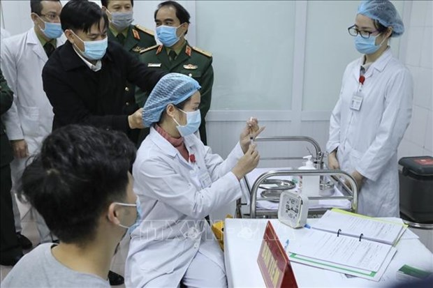 Vietnam completes first phase of Nano Covax human trials hinh anh 1