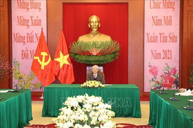 Top Vietnamese, Chinese leaders hold phone talks hinh anh 1